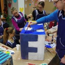 Wolontariat. Zajęcia integracyjne z malowania jedwabiu